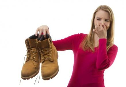trucos-para-eliminar-el-mal-olor-de-los-zapatos
