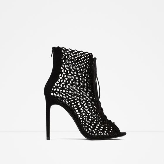 Sandalias de piel con encaje acordonadas de Zara