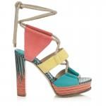Las sandalias cargadas de colores protagonizan la colección de Jimmy Choo para esta Primavera-Verano 2016